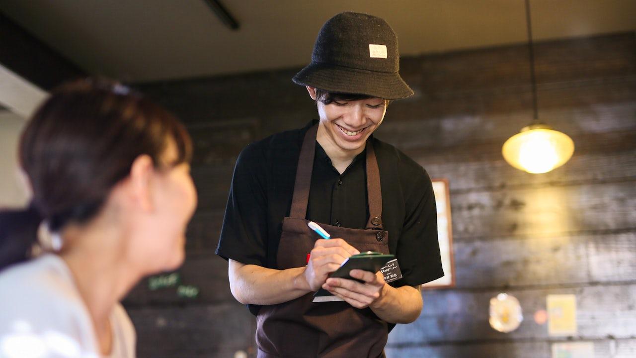 お客様を笑顔にするためにはまずはスタッフが笑顔でなければ。働きやすさは自信あり!